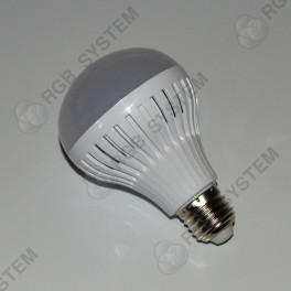 LED žárovka E27 230 V 9 W LED 5730 SMD pure white (6000 - 6500 K)